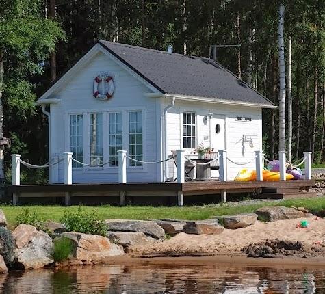 boat-house-cottage