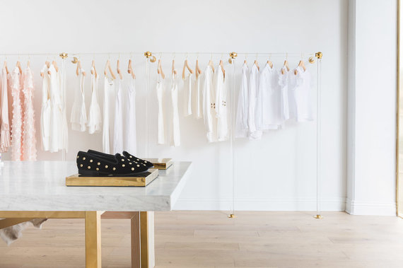 luxholdups-bay-retail-display